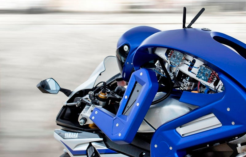 Yamaha's Robotic Biker Looks Like a Crime-Fighting Cyborg