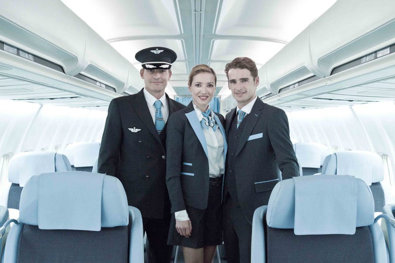 New Airline Offers NYC to Paris Business Class For About $1,000