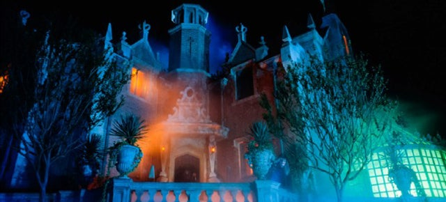 The Secret Tech Behind Disney's Haunted Mansion Illusions
