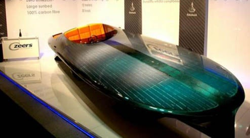 World's First Solar Speedboat Does 30 Knots Gas-Free