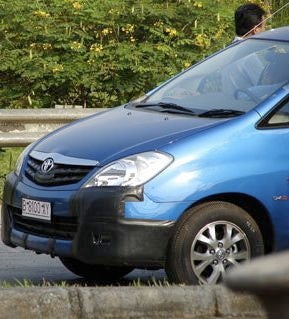 Indonesian Toyota Innova Apparently Getting Facelift