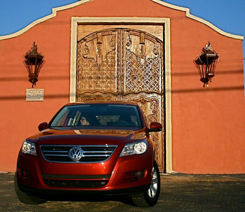 2009 Volkswagen Tiguan S, Part One