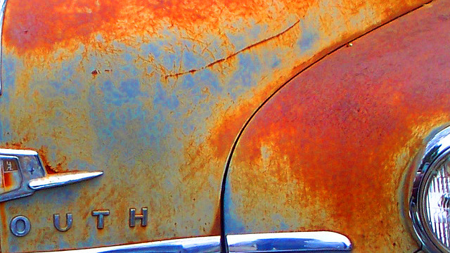 Use a Fridge Magnet to Detect Rust and Repair Damage on Cars