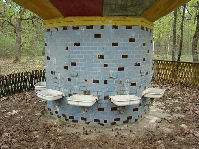 A Creepy Tour of Russia's Decrepit Abandoned Summer Camps