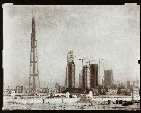 These Beautiful Photos of 2000s Dubai Look Like 1930s Science Fiction
