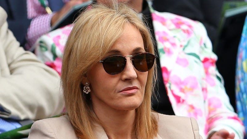 Peeved J.K. Rowling Slaps the Daily Mail with a Libel Suit