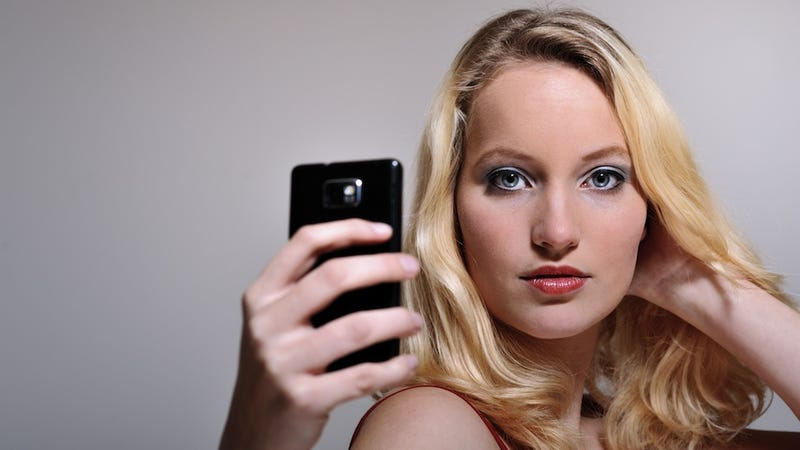 Please Don't Let Your Selfie Habit Take Over Your Life