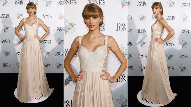 On a Rainbow Red Carpet, Taylor Swift Is the Princess of Bland