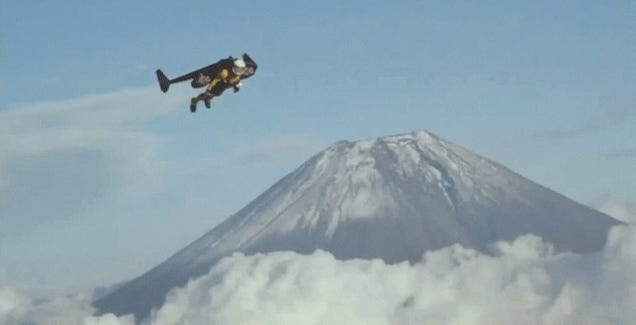 Watch this man fly around Mt. Fuji in a homemade jetpack