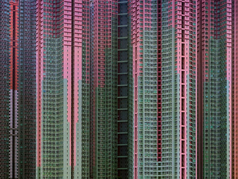 These Surreal Photos of Hong Kong's Aging Towers Aren't Doctored