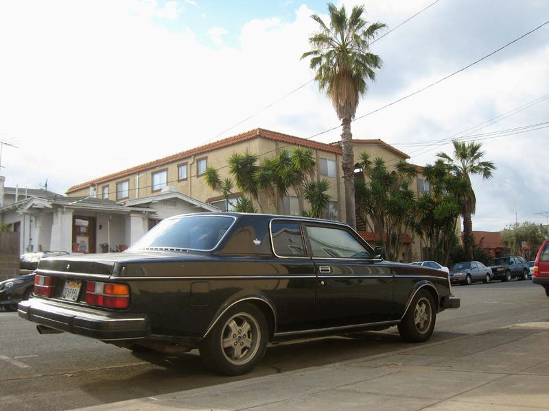 1980 Volvo 262C Bertone Down On The Alameda Street