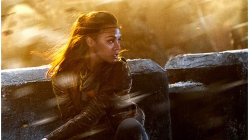 Zoe Saldana Looks Badass as Uhura in the New Star Trek Poster