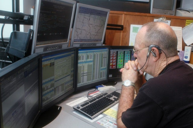 Milwaukee Sheriff Tells Residents Calling 911 'Is No Longer Your Best Option'