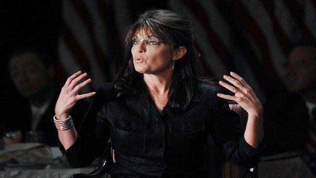 Julianne Moore To Play Sarah Palin In HBO Movie
