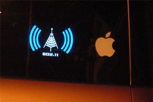 Wi-Fi Detecting Bumper Sticker Helps Out the Wardriver Behind You