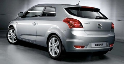 Another Side to the C'eed: Kia Reveals Back of Hatch