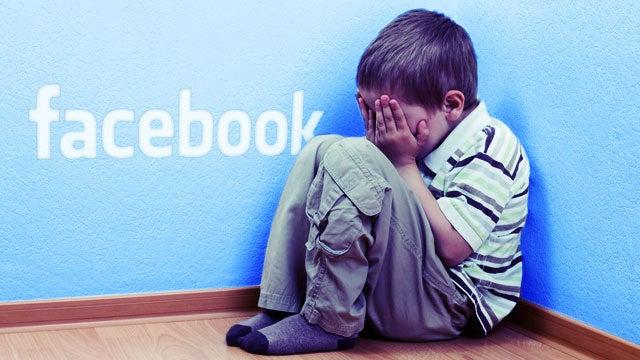 www.rumahcloteh.com Media sosial kini menjadi ruang virtual tempat para netizen mengeluarkan kritik serta membahasnya tanpa batas ruang dan waktu.