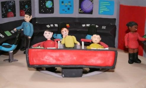 Star Trek Cake Upsets Nerds