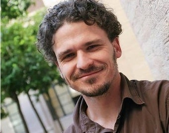 Dave Eggers Reassures Us That Print Lives, Via Email