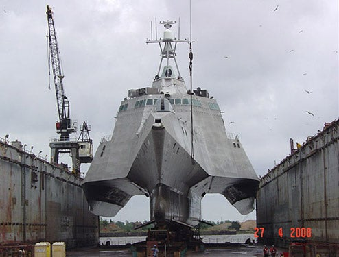U.S.S. Independence: A Triple Hulled, Weapon-Laden Monster That is Surprisingly Affordable