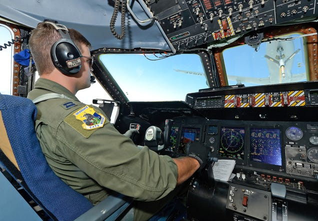 What It's Like To Fly America's Biggest Jet, The Gargantuan C-5 Galaxy