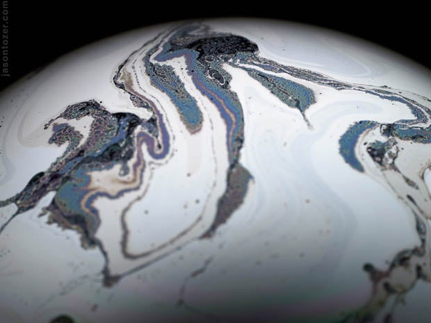 Photos of Soap Bubbles that Look Like Trippy Exoplanets