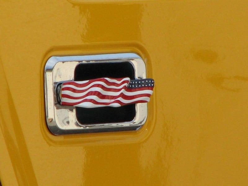 Gun-Barrel-Equipped Hummer, Monte Carlo, Mustang II Send Swedes Fleeing In Panic