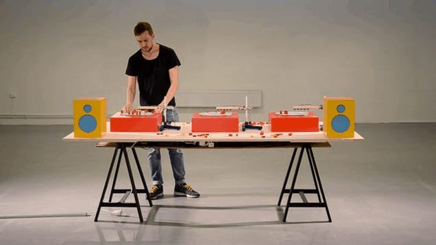 Just Play With the Blocks On These Turntables To Make Music