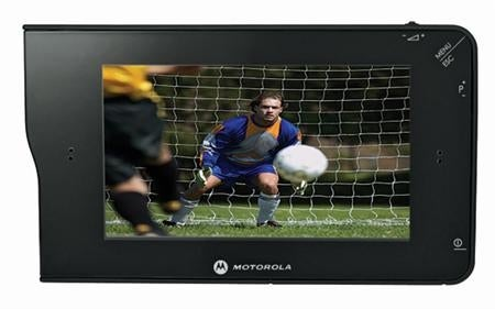 Motorola DH01 Mobile Video Player Does Live TV and DVR Clips, Hopes Mobile TV Will Get Better