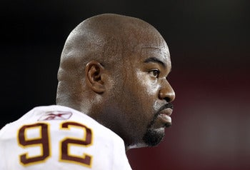 Albert Haynesworth Allegedly Swiped His Credit Card In A Waitress's Cleavage