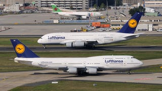 Large Planes Face-Off : Boeing 747-8 VS Airbus A-380