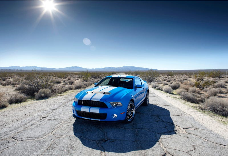 Carroll Shelby Introduces 2010 Shelby GT500 Coupe, Convertible At Detroit