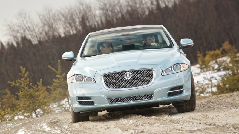 All-Wheel Drive Makes The XJ The Jaaaaag That Can Jump Over Dunes