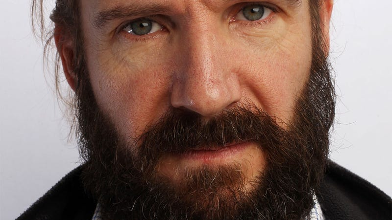 Ralph Fiennes Says Twitter is Destroying English