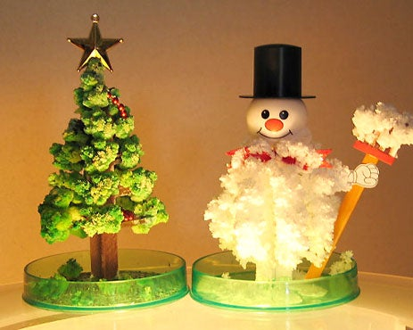 Kooky Christmas Decorations Act Like a Transforming Sponge