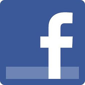 Girls ♥ Facebook & That's Okay
