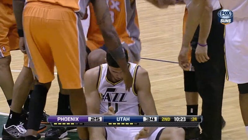 Enes Kanter's Dislocated Shoulder Looks Like It Feels Great