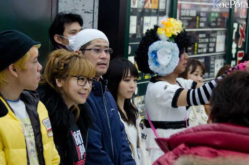 Long Lines In Akihabara To Donate To Quake Victims
