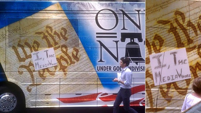 Palin's Bus Vandalized With 'Media Whore' Sign