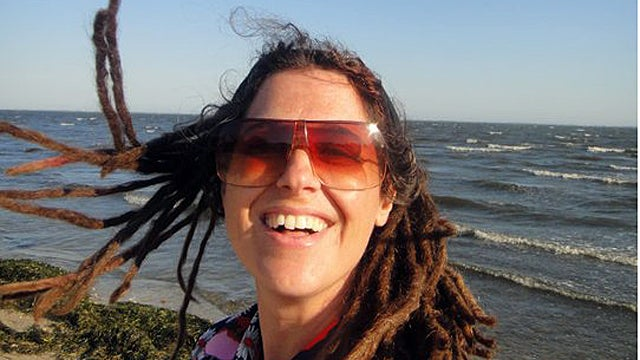Hippie Occupy Mom Divorces Husband, Inches Closer to 1% with $85K Divorce Settlement