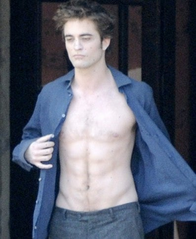 Get An IMAX Faceful Of Edward's Pale, Hairless Sparkle Chest