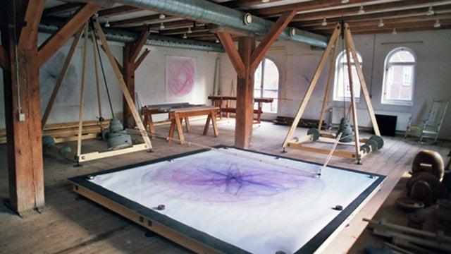 This Spirograph Draws Pictures That Are Bigger Than Your Tiny, Cramped Apartment