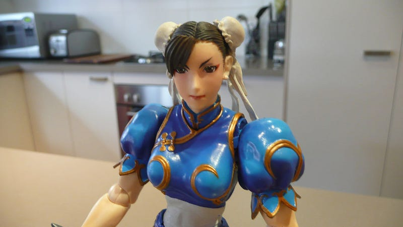 Reviewing Chun-Li's Giant Plastic Thighs (and Ryu's Giant Veiny Feet)