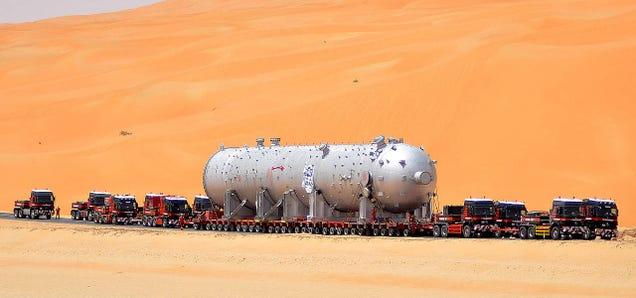 Cómo se transporta un reactor de 1.000 toneladas a través del desierto