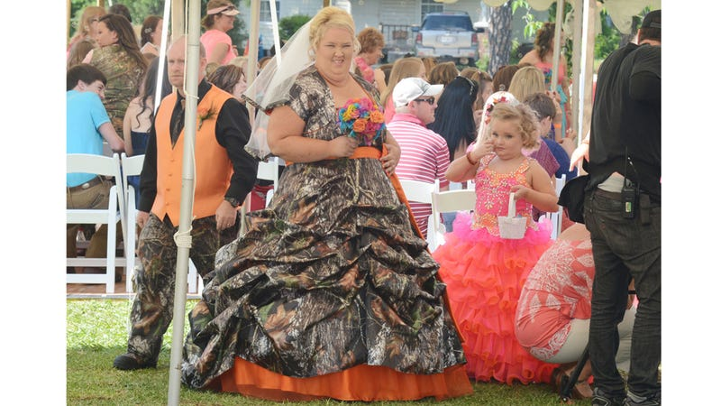 Honey Boo Boo's Parents Wore Matching Camo to Their Wedding Service