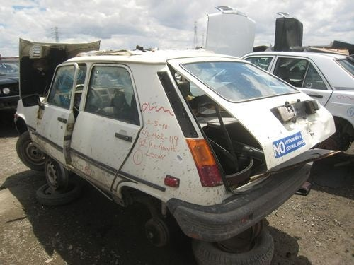 1982 Renault Le Car Down On The Junkyard