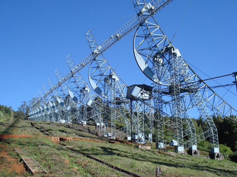 These Giant Radio Telescopes Tune in to the Stars