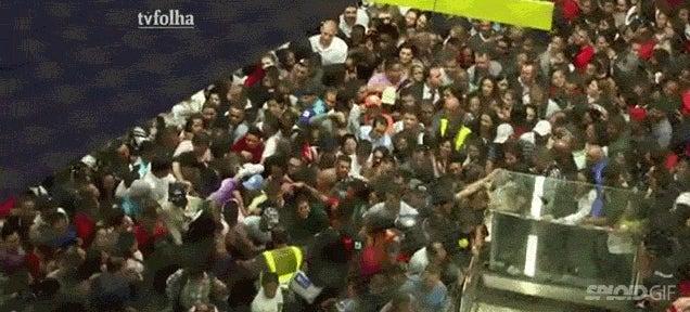 The subway in Brazil looks like a nightmarish ocean of drowning people