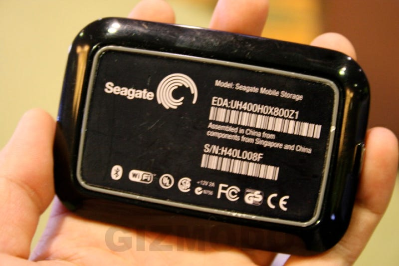Gallery and Details: Seagate DAVE Bluetooth/WiFi Cellphone Drive