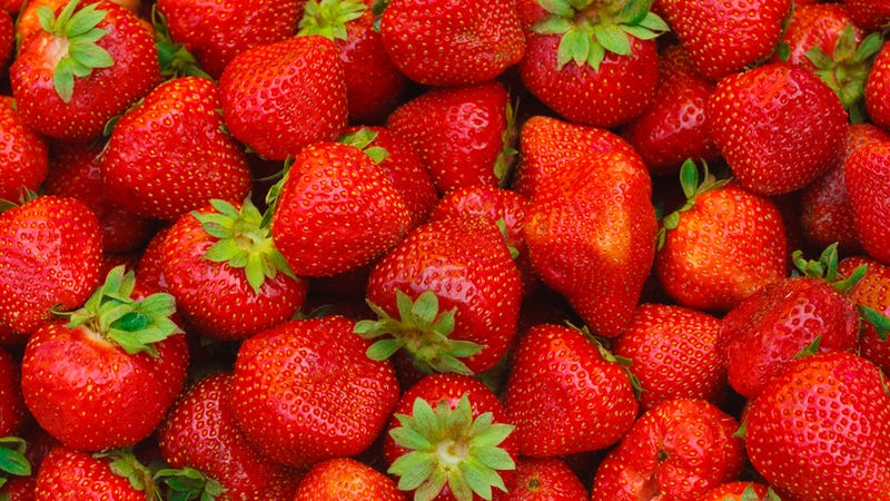 Going Out in the Sun? Be Sure to Rub Strawberries All Over Yourself